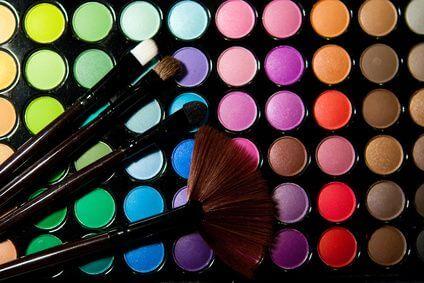 Maquillage professionnel nantes et domicile douceur for Produit de lustrage professionnel